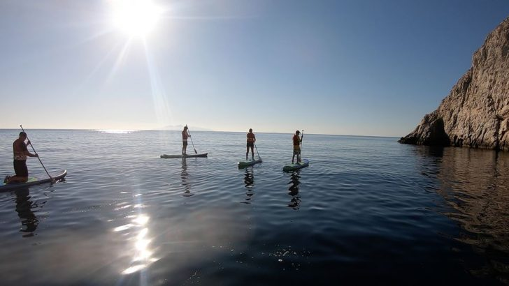 Santorini Adası: Stand-Up Paddle ve Şnorkel Macerası